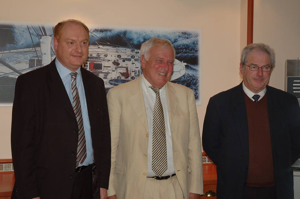 Bernard Reygrobellet (au centre) rencontre la délégation Atlantique du Club Nouveau Siècle à Pornichet